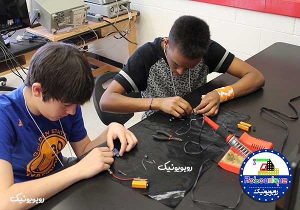 آموزش اصولی الکترونیک برای کودکان نوجوانان دانشآموزان آموزش الکترونیک شرکت رباتیک آروند