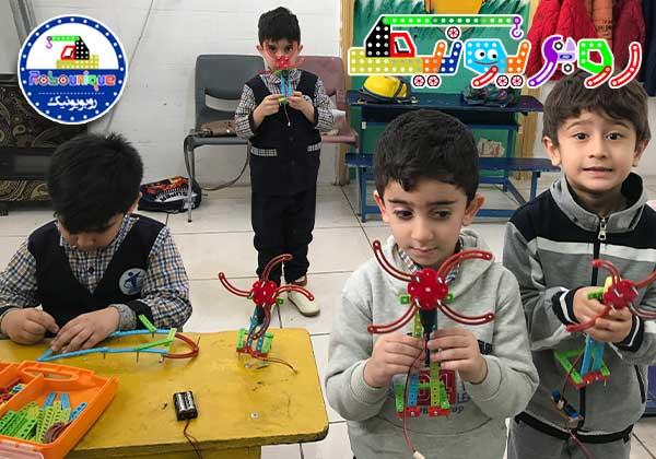 رباتیک، رباتیک در گرگان، کلاس رباتیک، اهمیت رباتیک،کلاس خلاقیت،پرورش خلاقیت،رباتیک کودکان ، ضرورت کلاس رباتیک برای کودکان