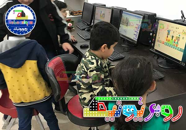 کلاس برنامه نویسی کودکان، اسکرچ،اسکرچ جونیور، آموزش اسکرچ،اسکرچ گرگان،کلاس اسکرچ،رباتیک کودکان،ضرورت آموزش رباتیک برای کودکان